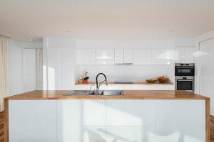 kitchen renovation using timber bench tops